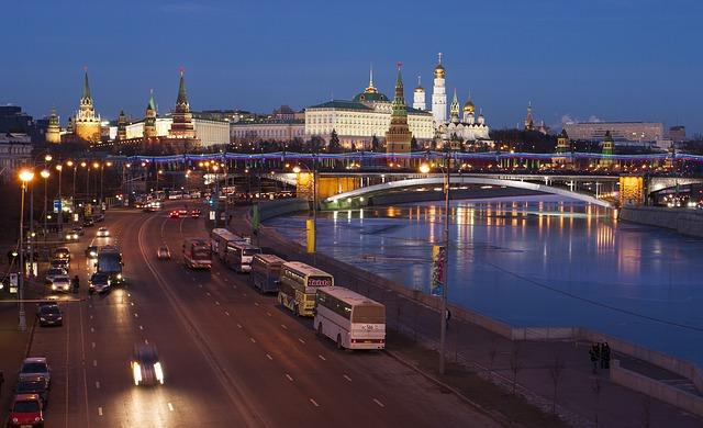 языков, в России, говорят, русский, английский